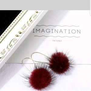 🏵Real fur ball gold wire hoop earrings 3 colors🏵